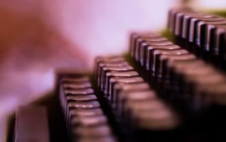 typewriter-2710085_1920